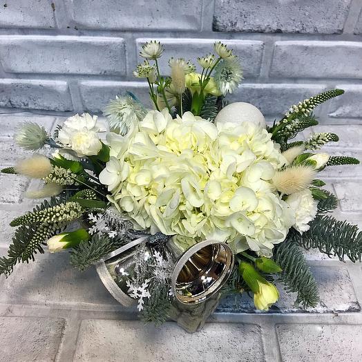 Зимняя коробочка с цветами: букеты цветов на заказ Flowwow