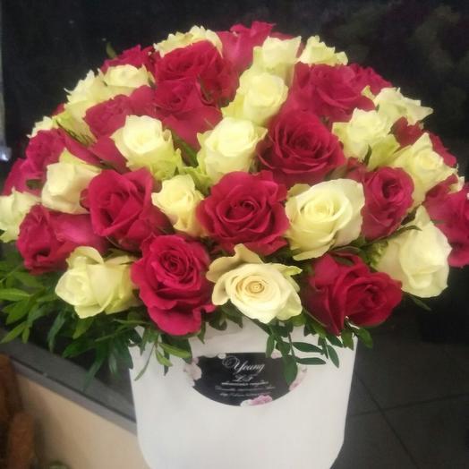 Шляпная коробка из 55 роз