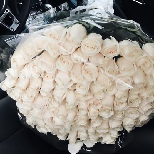 101 белая роза (Эквадор, 70 см): букеты цветов на заказ Flowwow