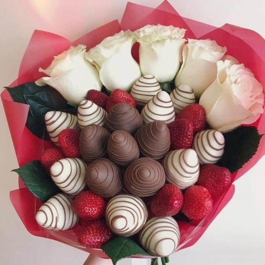 """Клубничеый букет """" Любимые сладости """": букеты цветов на заказ Flowwow"""