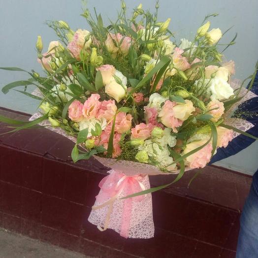 Букет микс из Эустомы: букеты цветов на заказ Flowwow