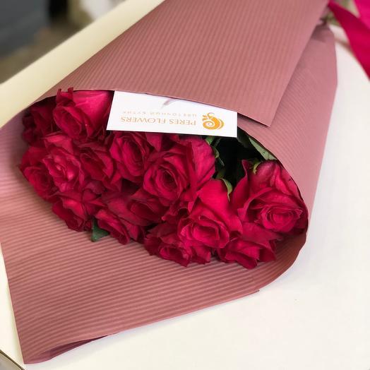 15 пурпурных роз: букеты цветов на заказ Flowwow
