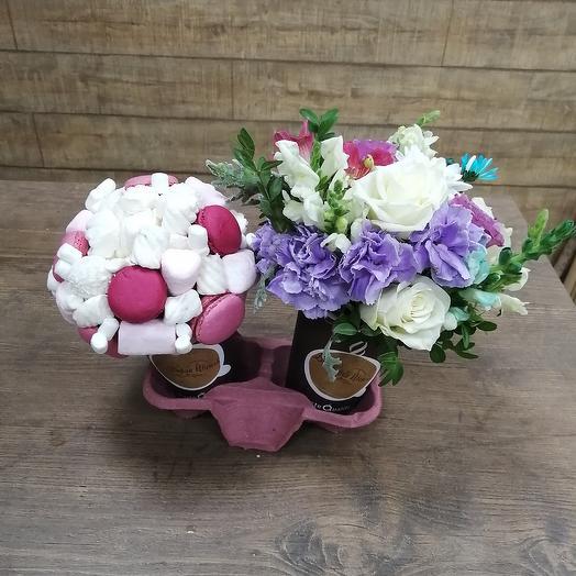 Необычный комплимент к кофе: букеты цветов на заказ Flowwow