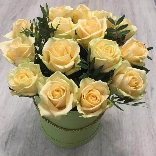 Персиковая роза в шляпной коробке
