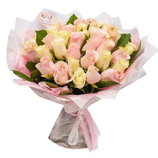 Нежный букет из 51 розы: букеты цветов на заказ Flowwow