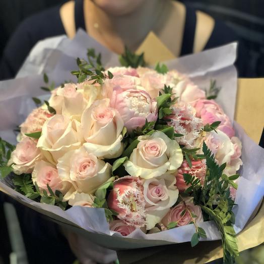 Нежность с розами и пионами