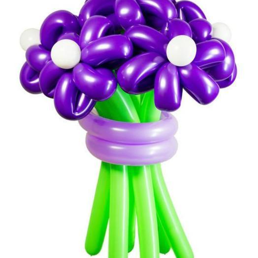 Букет из 7 фиолетовых ромашек: букеты цветов на заказ Flowwow