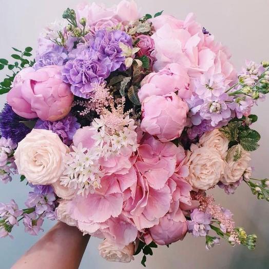 """Букет с гортензией и розами""""В плену розового"""""""