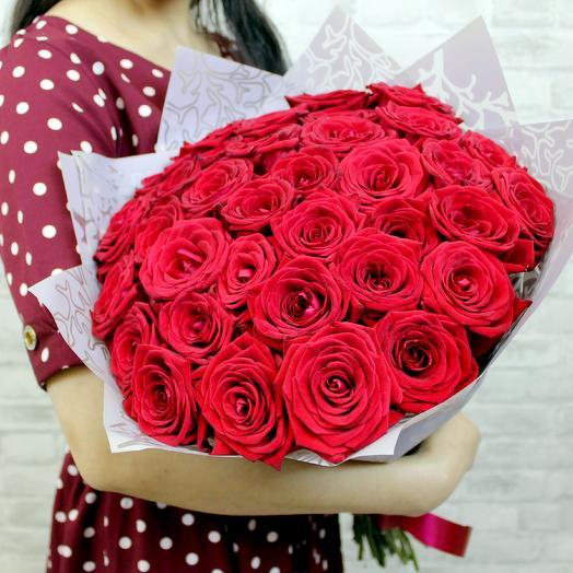 Букет РУБИНОВЫЕ УКРАШЕНИЯ  из 35 красных роз