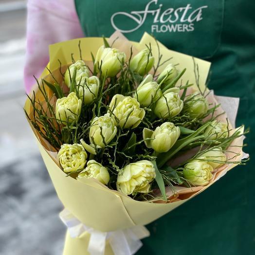 Букет из 17 пионовидных тюльпанов MiX