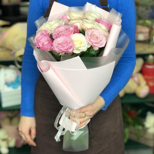 Букет садовых кустовых роз
