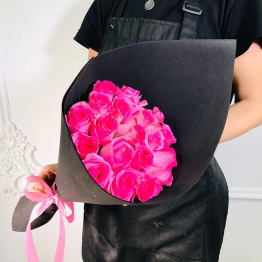 Букет из 19 Розовых роз ревиваль(коробка конфет в подарок, условие в описании)