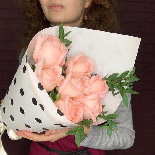 Розы в горошек
