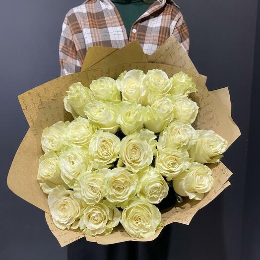 "Букет ""Флер де Коко"" из 25 белых роз 60см"