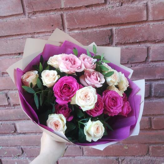 Букет микс из кустовых роз