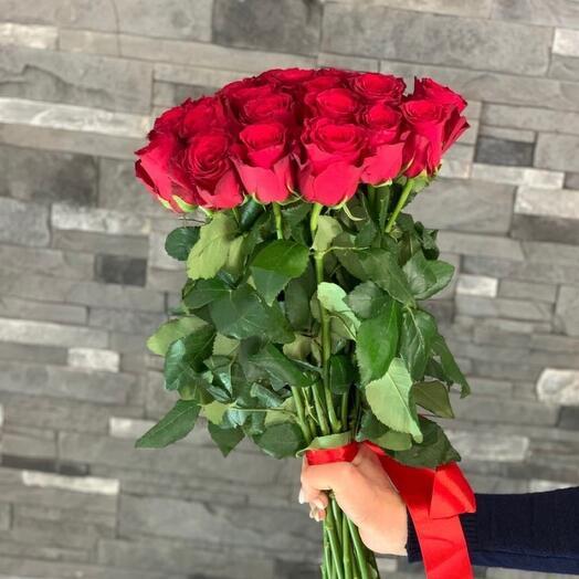 Красные розы Родос