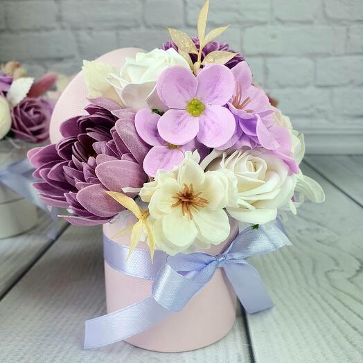 Фиолетовая Мини коробочка из мыльных цветов