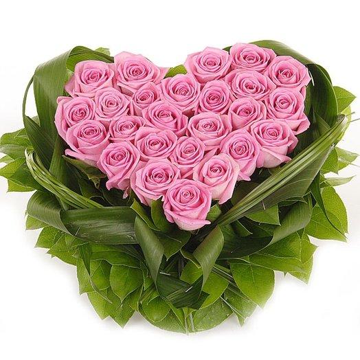 Сердце из Нежных Роз