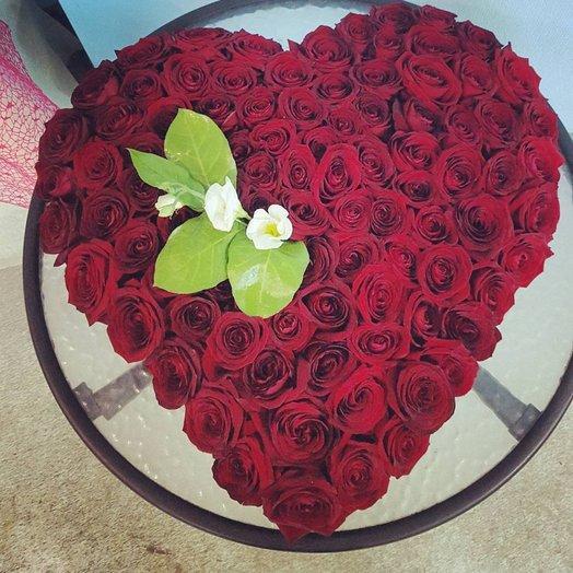 Сердце из 101 розы День Святого Валентина