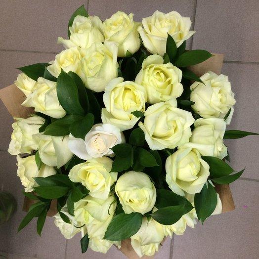 Белые розы 25: букеты цветов на заказ Flowwow