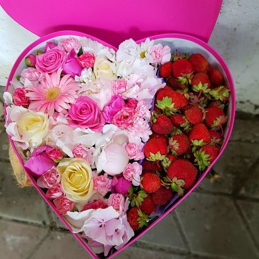 Клубничный микс мини: букеты цветов на заказ Flowwow