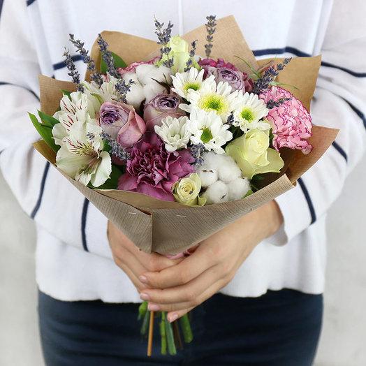 Букет из роз и гвоздик с хлопком в крафте: букеты цветов на заказ Flowwow