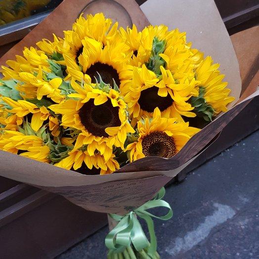 Солнечные подсолнухи: букеты цветов на заказ Flowwow