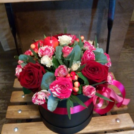 Коробочка с розами : букеты цветов на заказ Flowwow