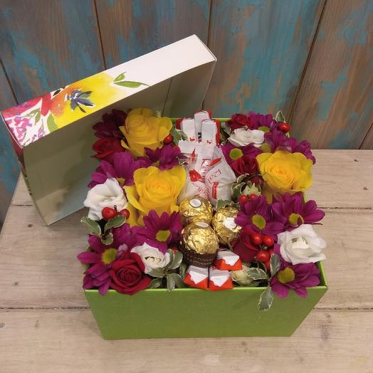 Коробочка с конфетами: букеты цветов на заказ Flowwow