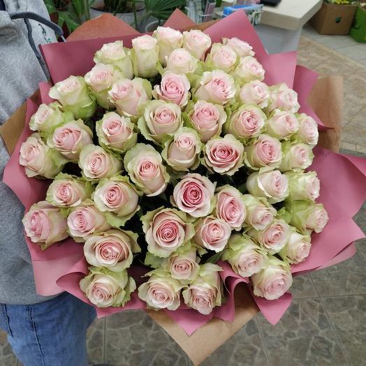 Букет из 51 премиальной розы Фрутетто: букеты цветов на заказ Flowwow