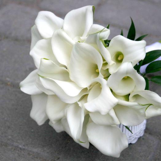 Каллы 25 штук: букеты цветов на заказ Flowwow