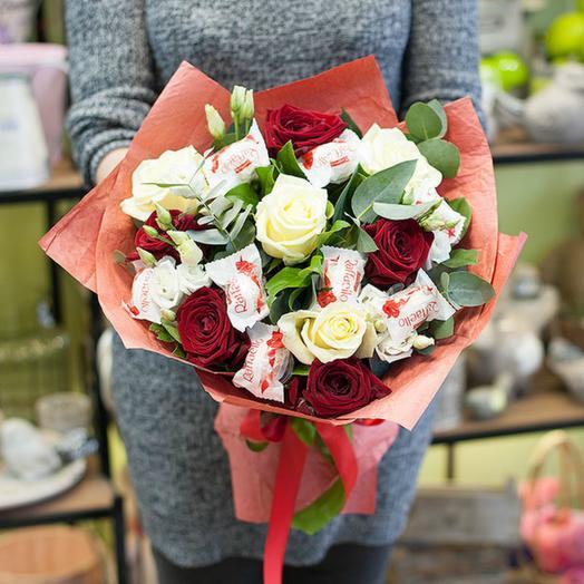 Розы с рафаэло
