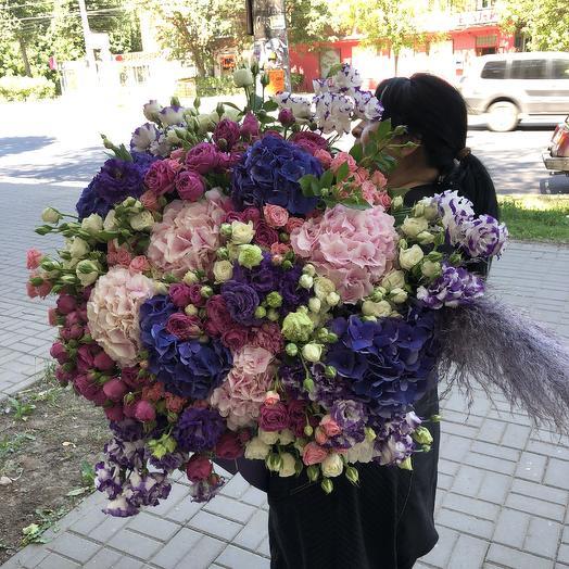 Огромный: букеты цветов на заказ Flowwow
