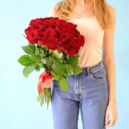 25 красных роз (50 см): букеты цветов на заказ Flowwow