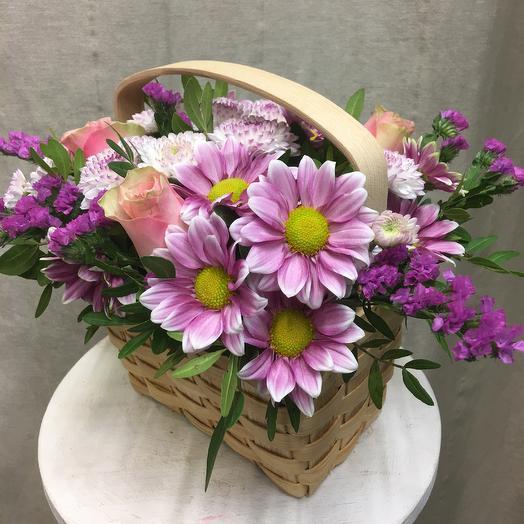 Корзинка цветочная «Любимая»: букеты цветов на заказ Flowwow