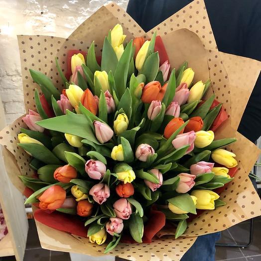 Букет из 51 Тюльпана Микс: букеты цветов на заказ Flowwow