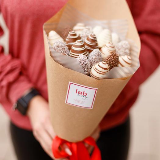 Клубничная мечта S в шоколаде: букеты цветов на заказ Flowwow