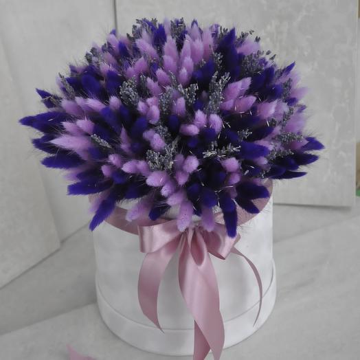 Бархатная коробочка в лавандовом цвете: букеты цветов на заказ Flowwow