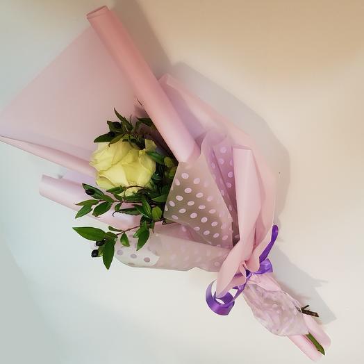 Роза в матовой плёнке
