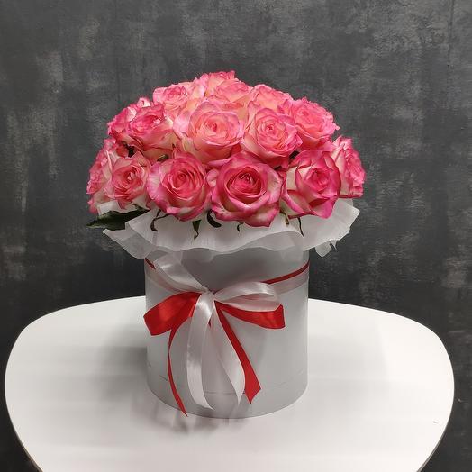 Цветы в коробке 31 роза жумиля