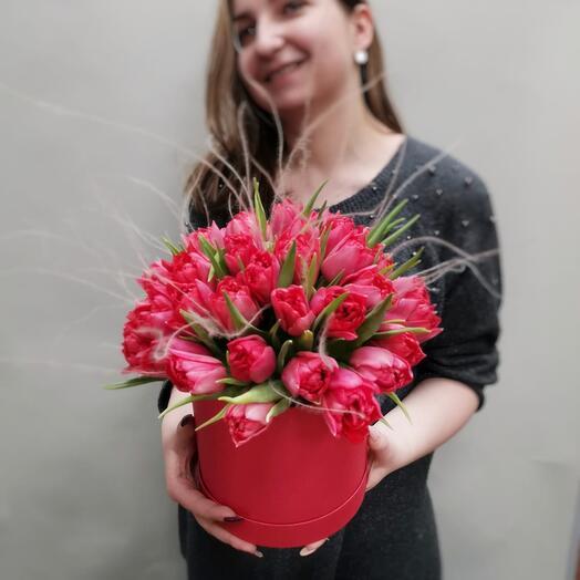 Порадуй любимую! Роскошная шляпная коробка пионовидных тюльпанов