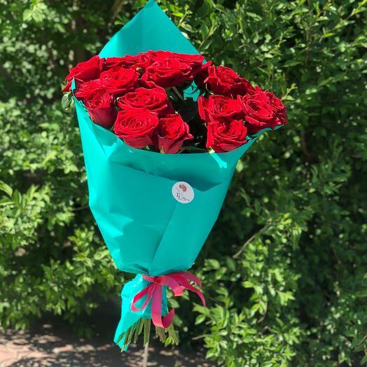 Букет из 19 эквадорских красных роз