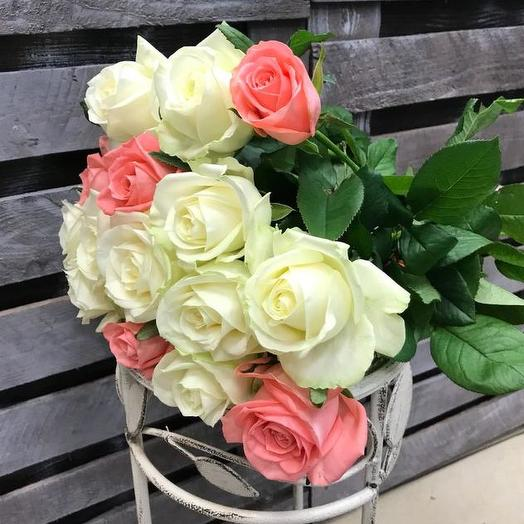 Букет из 15 разноцветных роз 50 см: букеты цветов на заказ Flowwow