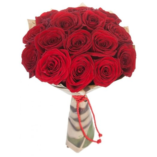Букет из 15 красных роз в крафте: букеты цветов на заказ Flowwow