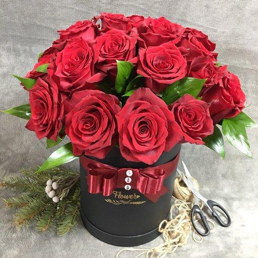 "Коробка "" Love is..."": букеты цветов на заказ Flowwow"