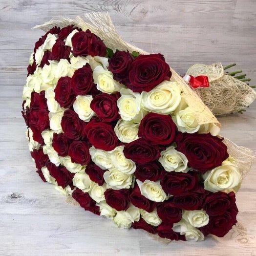 Букет из  101 розы ( 70 см ) Белая , Красная N29