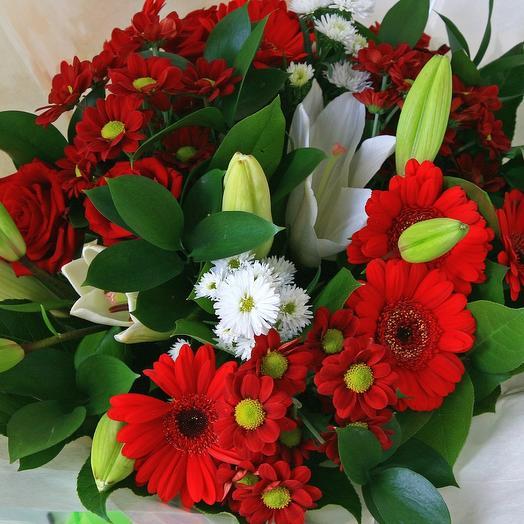 Букет с лилиями и красными герберами: букеты цветов на заказ Flowwow