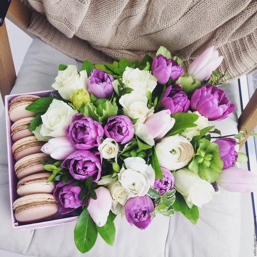 Макарунсы в тюльпанах