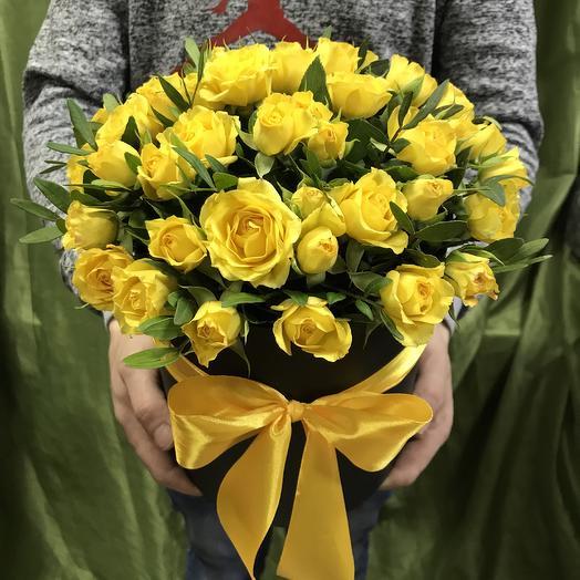 Желтые кустовые в коробочке: букеты цветов на заказ Flowwow