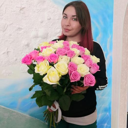Бело-розовый микс из 25 роз: букеты цветов на заказ Flowwow